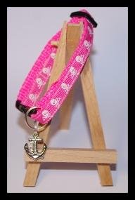 Pink cat collar